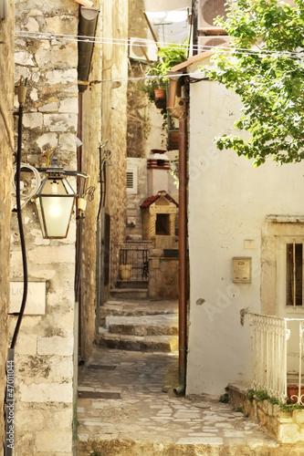 dubrovnik-old-town-street