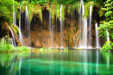 Panel Szklany Podświetlane Do dentysty Beautiful waterfalls at Plitvice Lakes National Park