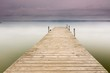 embarcadero de madera en el lago