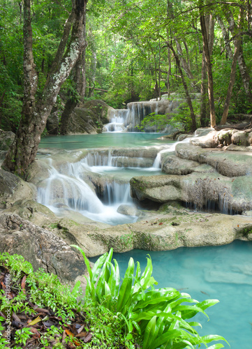 wodospad-erawan-park-narodowy-w-tajlandii