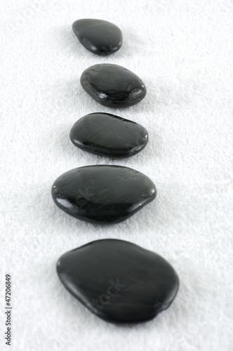 Photo sur Plexiglas Zen pierres a sable spa stone and towel isolated