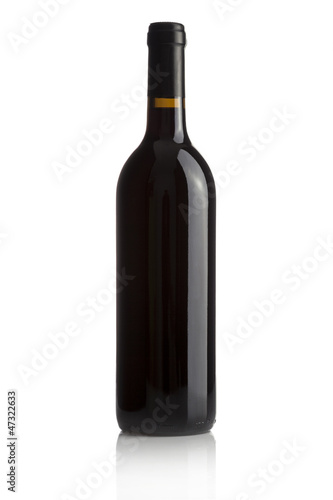 Fotografía  Elegant wine bottle isolated on a white background