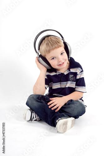 Obraz Listening music - fototapety do salonu