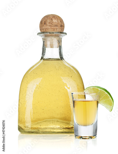 Fototapeta Bottle of gold tequila
