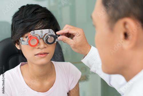 Fotografía  Selecting eyeware