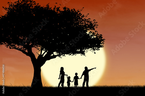 Foto op Aluminium Jacht Family and tree silhouette by sunset