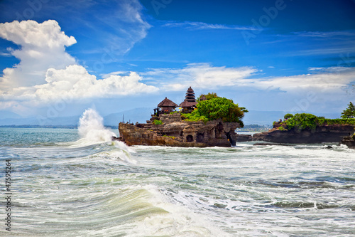 Foto op Aluminium Indonesië The Tanah Lot Temple, the most important indu temple of Bali