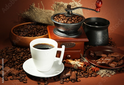 Obraz cup of coffee, grinder, turk and coffee beans - fototapety do salonu