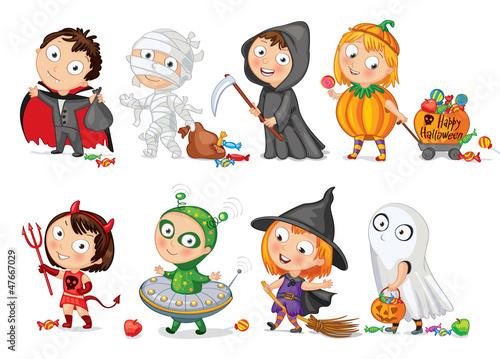 wesolego-halloween-smieszne-male-dzieci-w-kolorowych-strojach