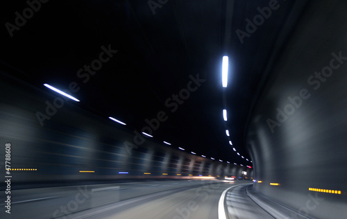 Poster Autoroute nuit fast motion in dark tunnel