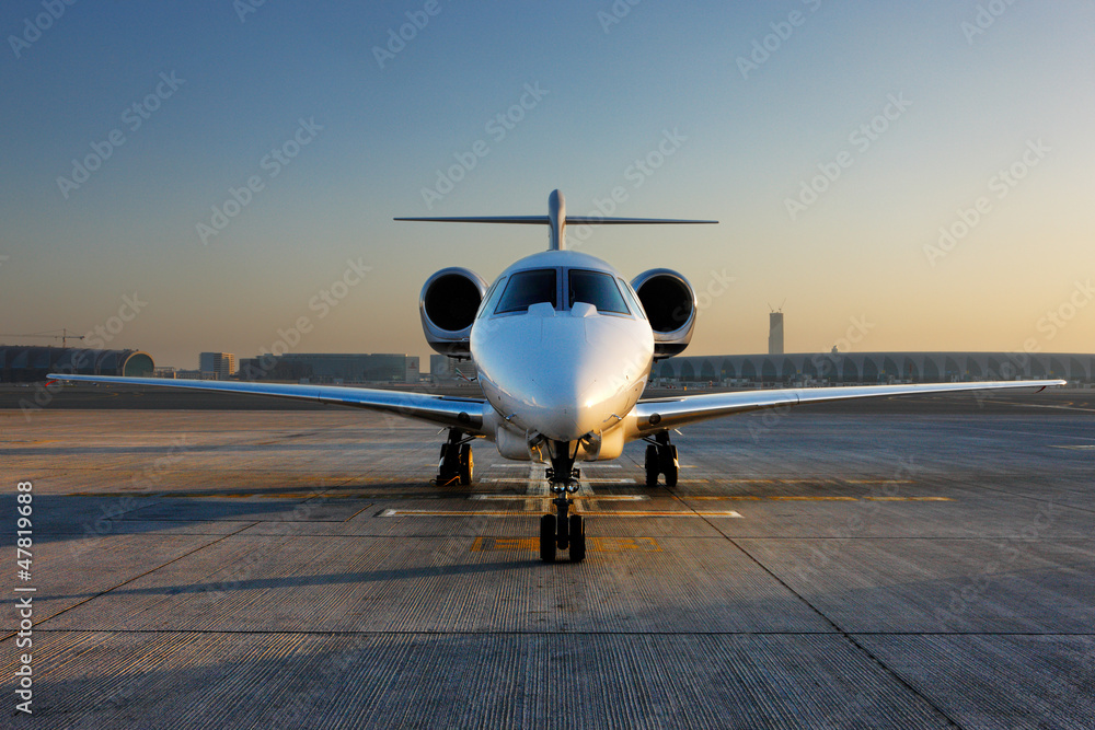 Fototapety, obrazy: A front on view of a private jet