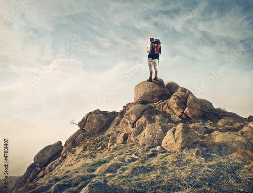 podroznik-na-skale