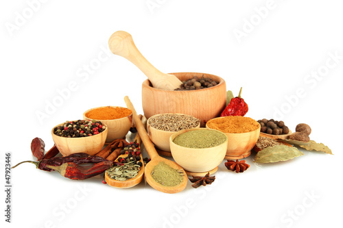 Foto auf Gartenposter Gewürze 2 wooden mortar, bowls and spoons with spices isolated on white