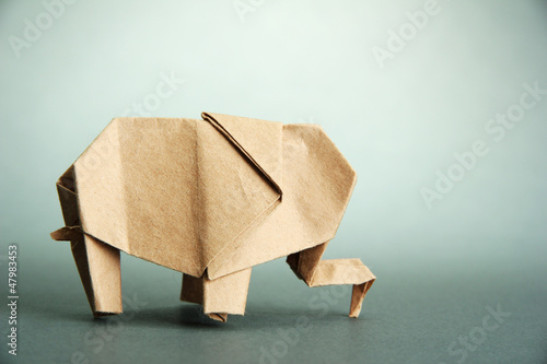 Origami elephant, on grey background - 47983453