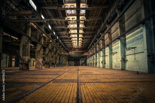 Photo Stands Old abandoned buildings An abandoned industrial interior