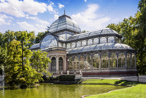 Foto  Crystal Palace in the Retiro Park, Madrid, Spain