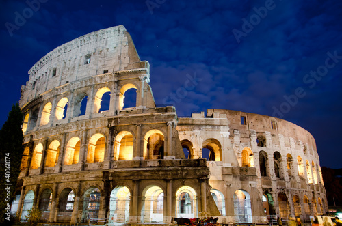 Foto op Aluminium Artistiek mon. Colosseo notturna