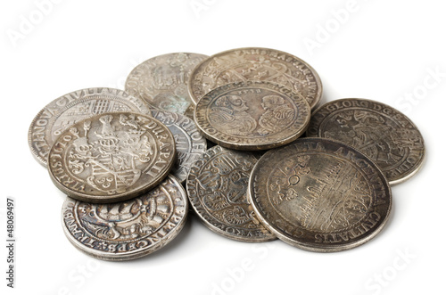 Fotografía  Pail of  thalers - ancient european silver coins
