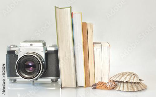 Obraz Zestaw wakacyny apart i książka - fototapety do salonu