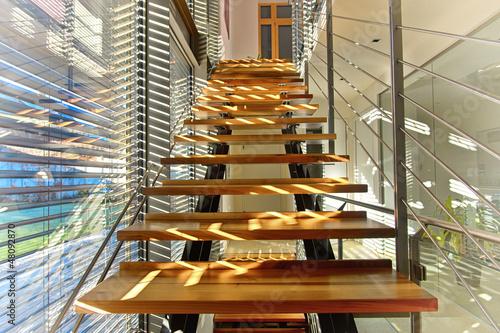 Modernes Treppenhaus In Architektenhaus Lichtdurchflutet Buy This
