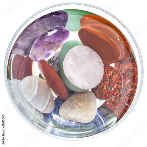 Plissee mit Motiv - Wasser mit Edelsteinen von oben