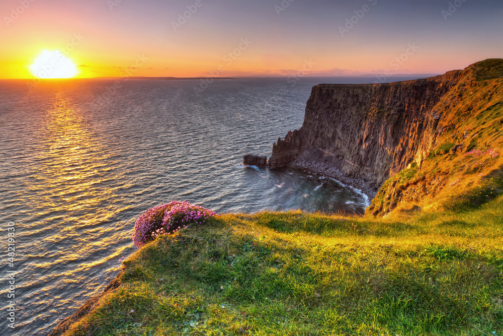 Fototapety, obrazy: Cliffs of Moher at sunset in Co. Clare, Ireland