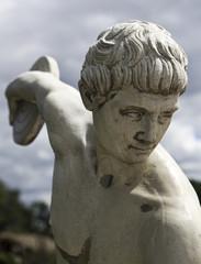 Klasyczna biała statua grecka