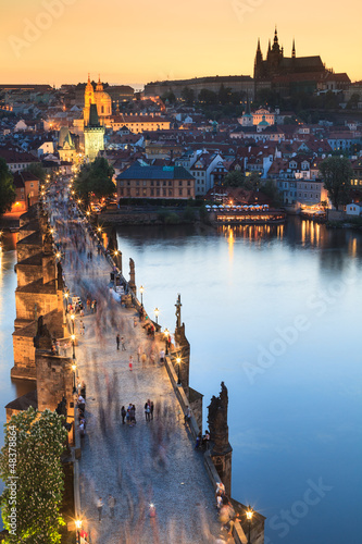 Photo View of Vltava river with Charles bridge in Prague, Czech republ