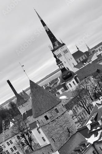 Foto op Aluminium Eiffeltoren Black and white top view on old city in Tallinn Estonia