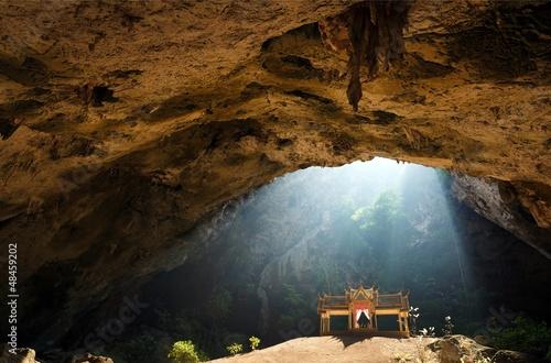 Fotobehang Kuala Lumpur Golden temple in cave