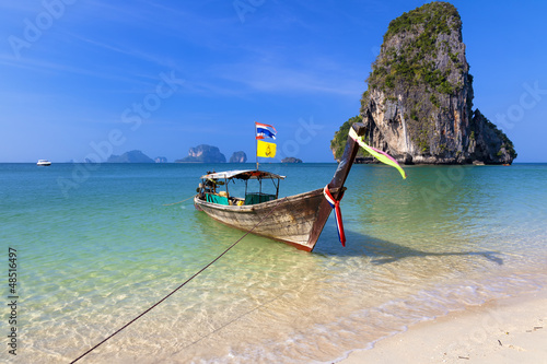 Foto Rollo Basic - Longtailboot am Railay Beach in Thailand