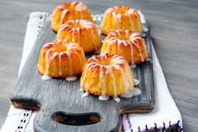 Mini Bundt Cakes With Glaze