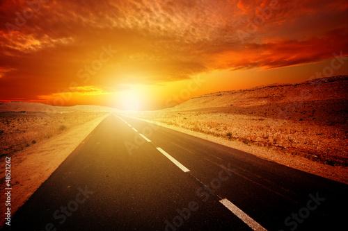 Fotografía  Strada verso il tramonto