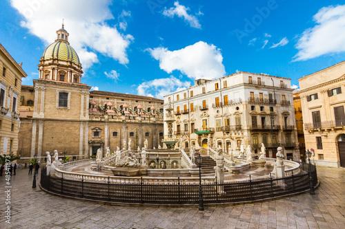 Foto op Aluminium Palermo Fontana Pretoria in Palermo, Sicily, Italy