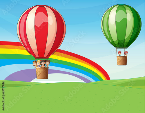 In de dag Regenboog Air balloons carrying kids