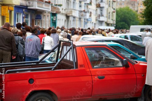 Wall Murals Old cars Large crowd of people