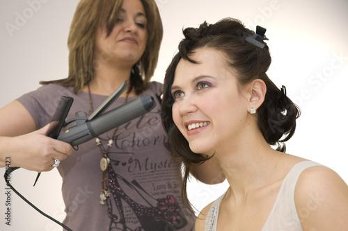Photo Femme se faisant coiffer