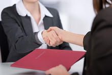 Handschlag Nach Dem Bewerbungsgespräch