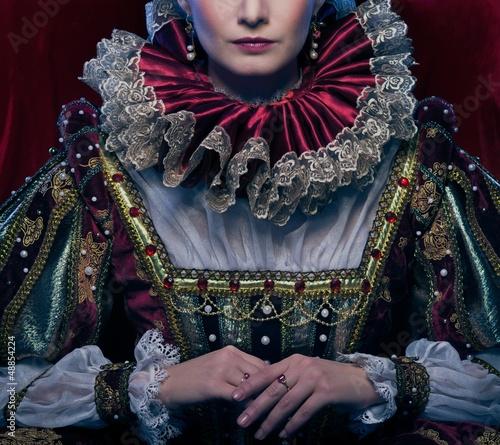 Obraz na płótnie Queen in royal dress and luxuriant collar