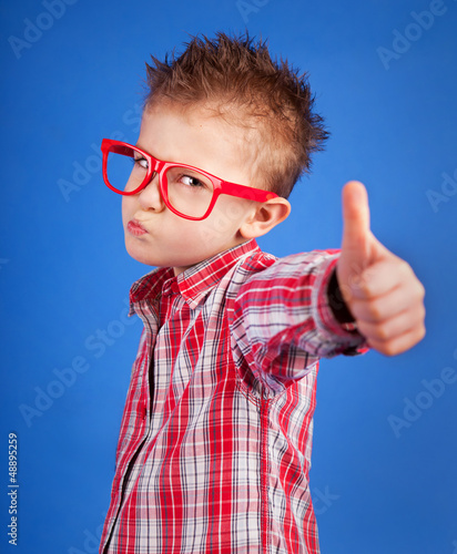 Fotomural Cool five years old boy showing ok sign