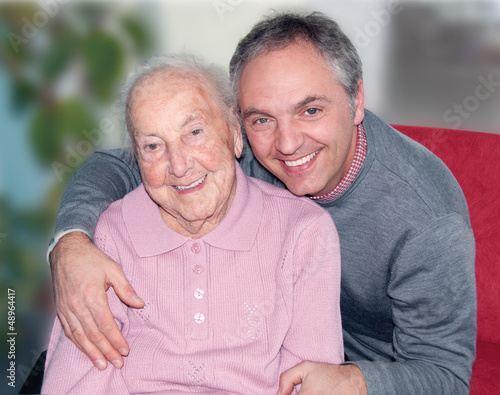 Fototapety, obrazy: Alte Dame mit Enkelsohn