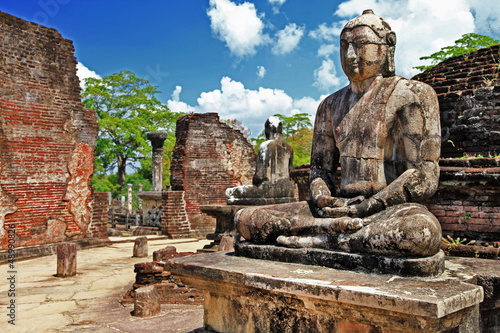Photo sur Toile Lieu de culte Buddha in Polonnaruwa temple - medieval capital of Ceylon,UNESCO