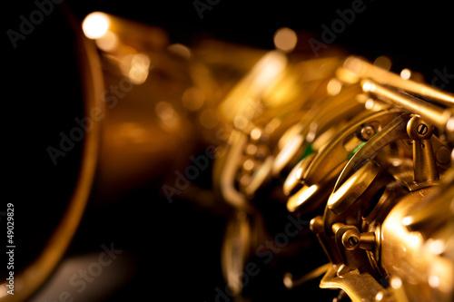 tenorowego-saksofonu-zloty-saksofonowy-makro-selekcyjna-os
