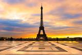 Fototapeta Fototapety z wieżą Eiffla - Eiffel tower at sunrise, Paris.