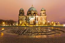Berliner Dom In Der Nacht - Be...