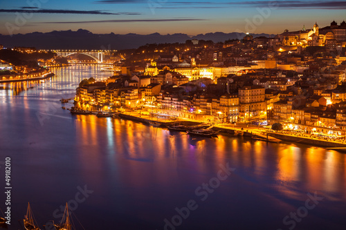Printed kitchen splashbacks Athens Panoramic of old Porto and Douro river at night, Portugal