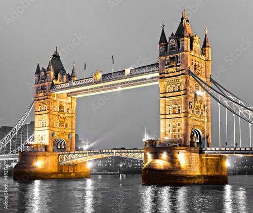 tower-bridge-londyn-wielka-brytania