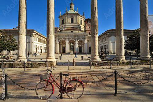 Milano Chiesa di San Lorenzo - Parco delle Basiliche