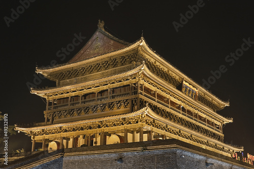 Photo sur Toile Xian Illuminated ancient Drum Tower Xian, China at night
