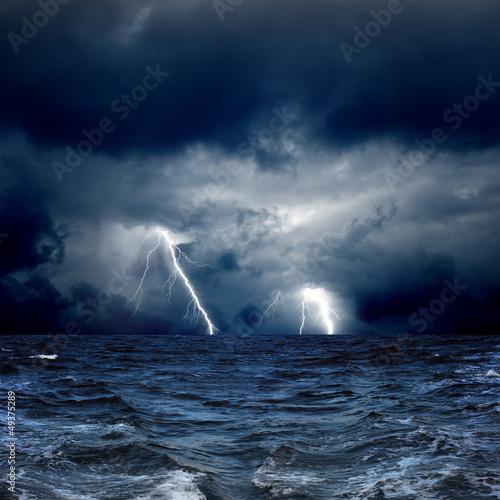 Foto op Aluminium Onweer Stormy sea